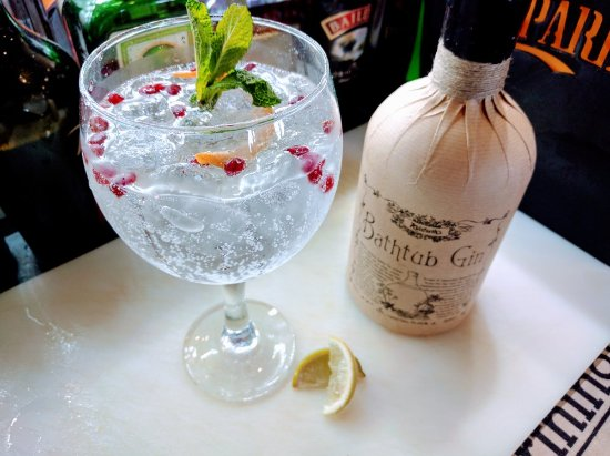 The Harbourmaster: Bathtub gin served with elderflower tonic, grapefruit peel and pomegranate seeds!