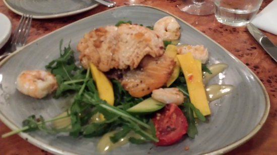 Cafe 1: Salmon and Prawns with fresh vegetables and salad greens