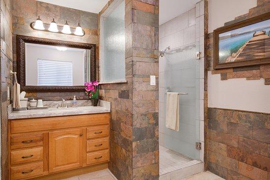 Globe, AZ: Villa 4 renovated bathroom