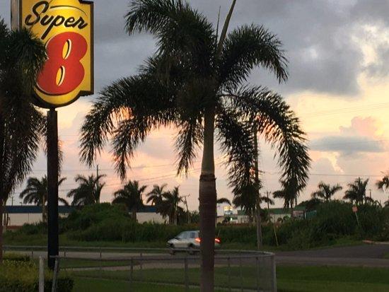 Florida City, FL: Morning in Homestead.