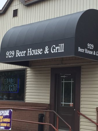 Winona, MN: great neighborhood bar