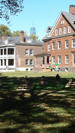 Governors Island National Monument: old officers quarters