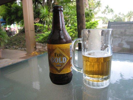 Oasis Cafe : Fiji Gold beer
