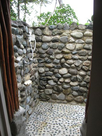 Coral Coast, Fiyi: Outdoor shower