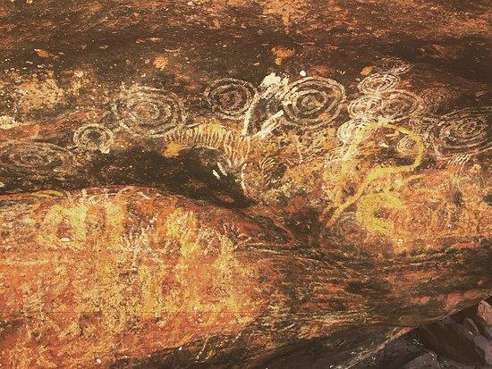 Yulara, Australia: Uluru - Cave drawings