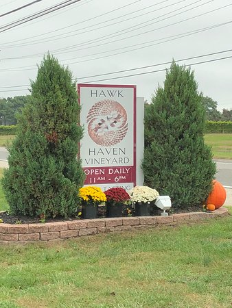 Hawk Haven Vineyard and Winery : photo0.jpg