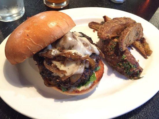 Boulder, UT: Forager Burger