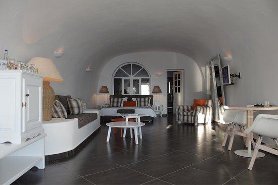 San Antonio Suites: photo1.jpg