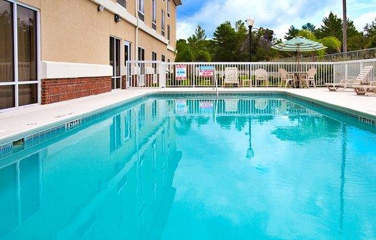 Spring Hill, FL: Swimming Pool