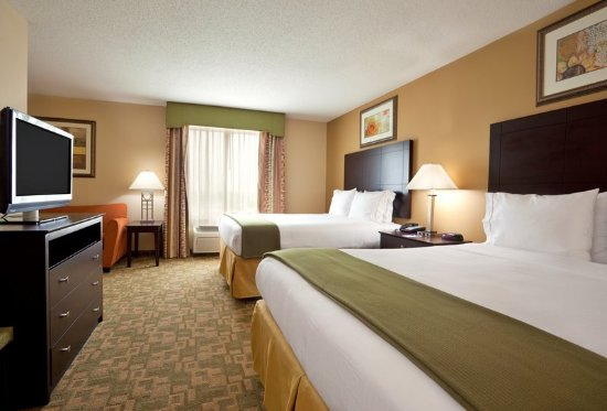 Two Queen Corner Suite at Holiday Inn Express Franklin Ohio