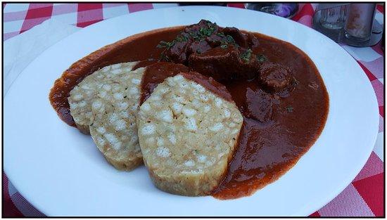 Gasthof Simony Restaurant am See: Beef goulasch