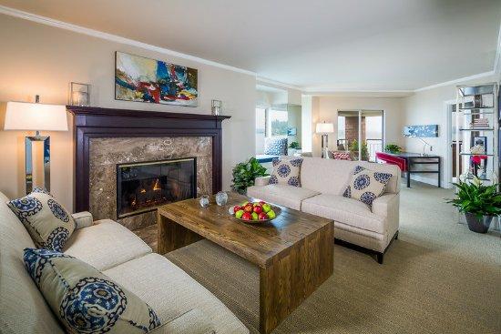 Woodmark Hotel & Still Spa: Woodmark Hotel_Guest Room_Woodmark Suite Living Room