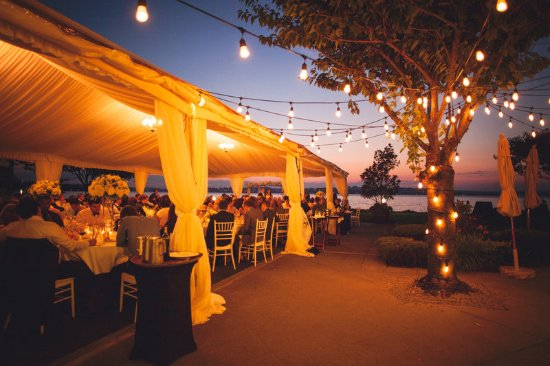 Kirkland, WA: Woodmark Hotel_Weddings_Tent Sunset