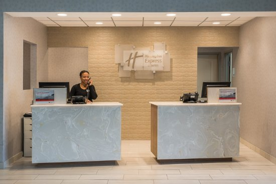 Norwood, MA: Front Desk