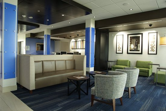 Holiday Inn Express Kansas City - Lee's Summit Lobby