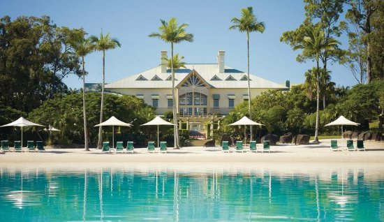 Hope Island, Australia: Hotel Exterior