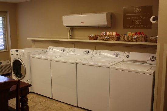 Candlewood Suites Phoenix Guest Laundry Facility