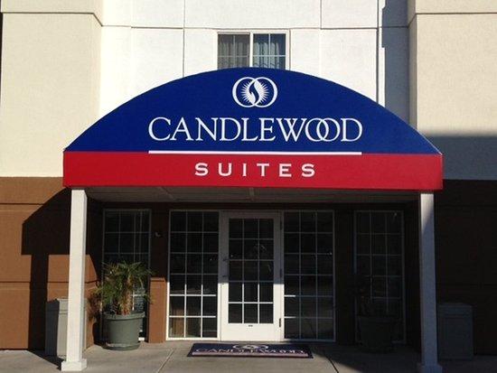 Candlewood Suites Phoenix: Hotel Exterior