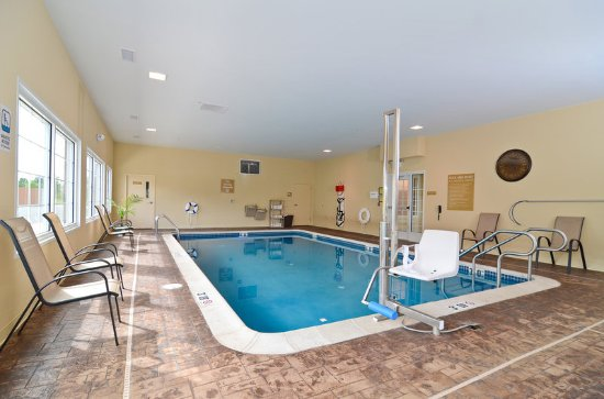 Chambersburg, Πενσυλβάνια: Indoor Pool and Jacuzzi