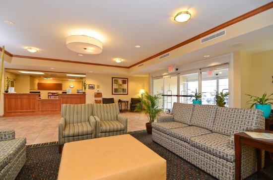 Chambersburg, PA: Lobby Seating area