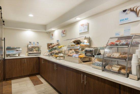 Warrenton, Миссури: Breakfast Bar
