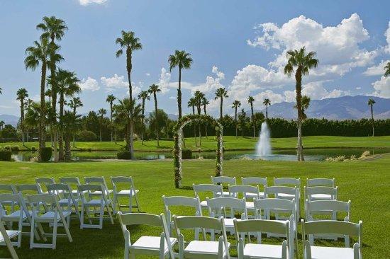 Cathedral City, CA: Golf Resort Wedding