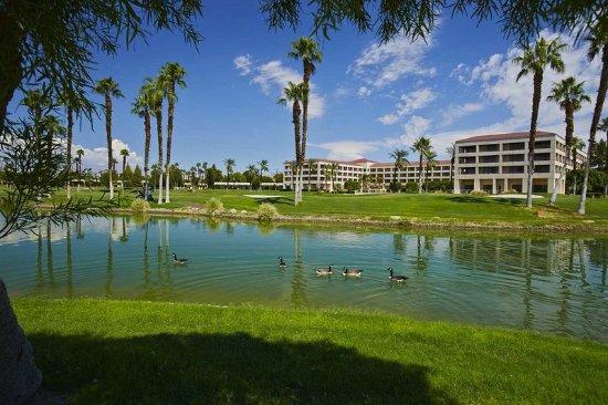 Cathedral City, CA: Golf Resort