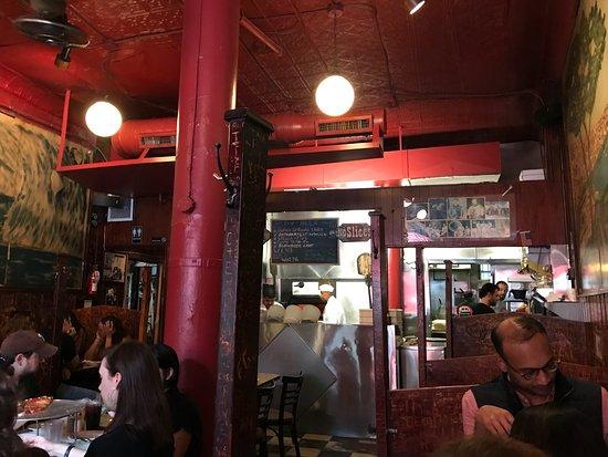 John's of Bleecker Street: Tres bonnes pizzas 🍕