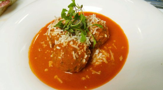 1652: Meatballs with Melting Fontina