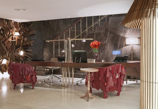 New Hotel: Front Desk