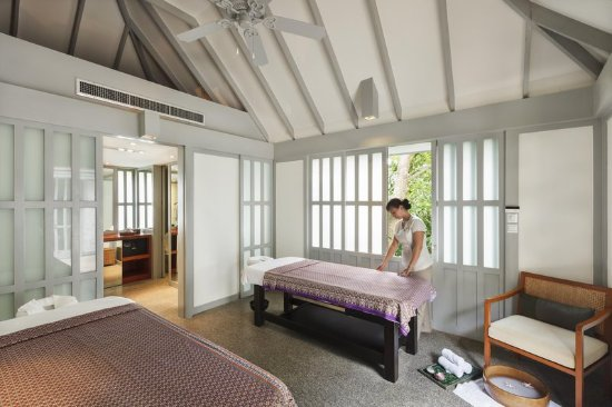 The Surin Phuket: Signature Massage