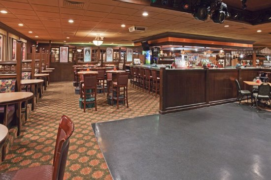 Perrysburg, OH: Bar