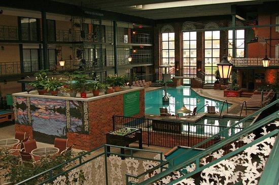 Perrysburg, OH : Holidome Pool