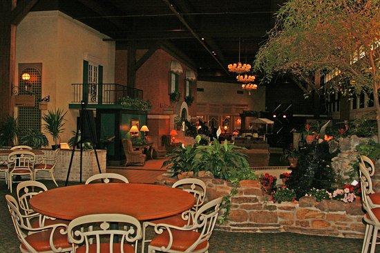 Perrysburg, Огайо: Lobby