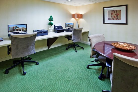 Holiday Inn Express Greenville I-85 and Woodruff Road: Business hotel Woodruff Road Greenville, SC.  Business Center.