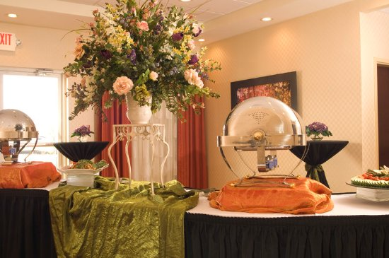 Holiday Inn Express Greenville I-85 and Woodruff Road: Greenville SC hotel for weddings reunions near I-85 I-385