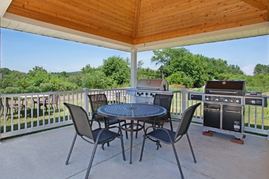 Candlewood Suites Washington North: Guest Patio