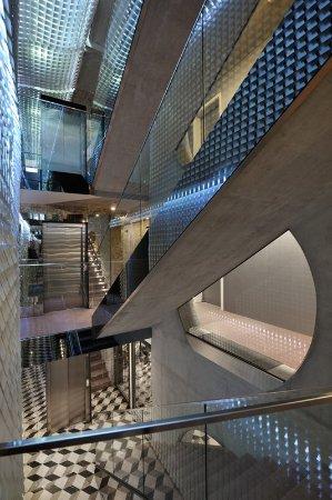 Vander Urbani Resort: Hallway