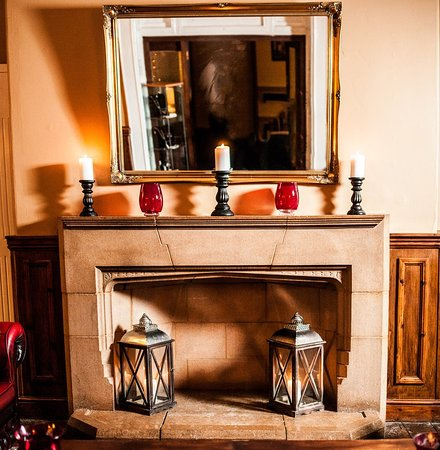 Crickhowell, UK: Fireplace