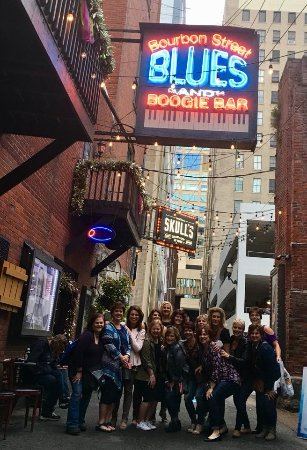 Hick Chick Tours Nashville Tennessee