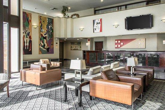 Ronkonkoma, Estado de Nueva York: Hotel lobby