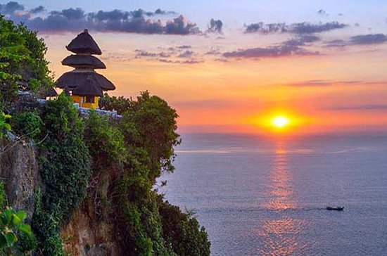 Private Tour: Half-Day Sunset Uluwatu...