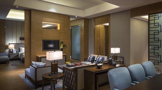 Yangjiang, China: Executive Suite Bedroom