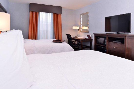Rome, Νέα Υόρκη: 2 Queen Guest Room HDTV