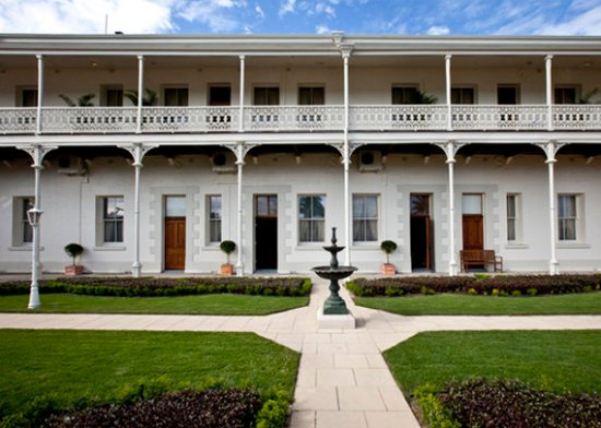 Rockhampton, Australia: View Outside Of Building