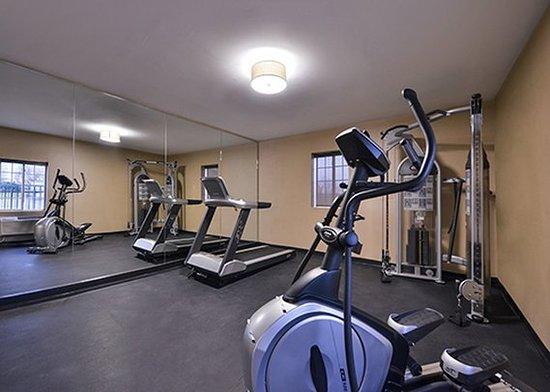Jonestown, Pensilvanya: Gym