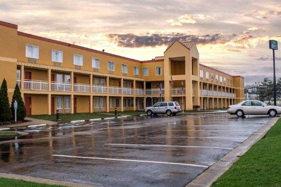 The 10 Closest Hotels To Blossom Music Center Cuyahoga Falls Tripadvisor