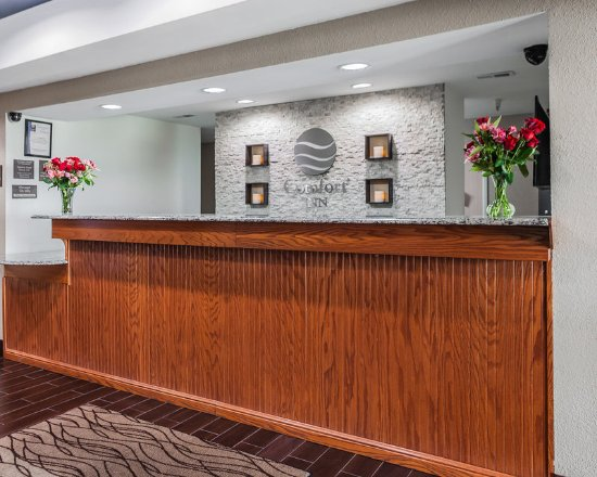 Moberly, MO: Front Desk