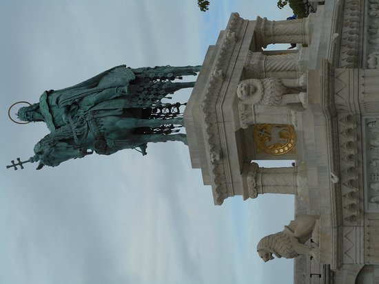 Statue of St Stephen Photo