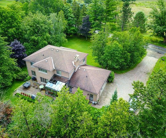Erin, Canada: Aerial view of our home from the back
